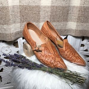 Vintage tooled leather pointy toe western flats